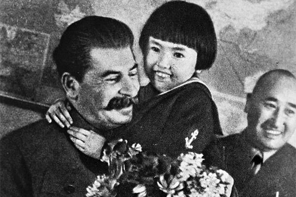 «Расстреляли из-за наколки со Сталиным»