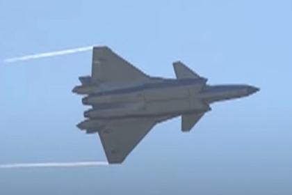 J-20 выполнили «петлю Нестерова» и «бочку»
