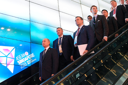 Путина проверили на металлоискателе