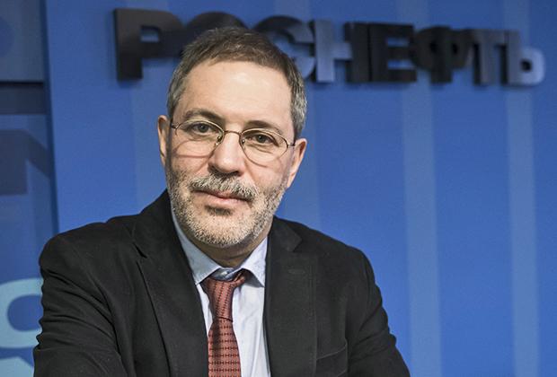 Пресс-секретарь - директор департамента информации и рекламы корпорации «Роснефть» Михаил Леонтьев