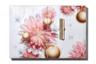 Бренд спрятал под обложкой адвент-календаря все свои бестселлеры, включая тонирующее масло для губ Eclat Minute Huile Confort Levres, кремы для лица, рук и шеи, блеск для губ и объемную тушь (кстати, тушь — в полноразмерной упаковке).