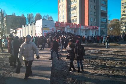 В российском городе устроили давку из-за дешевой колбасы