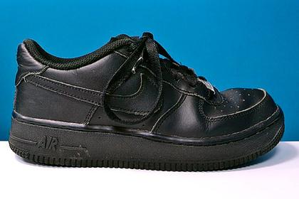 Популярные кроссовки оказались опасны для здоровья