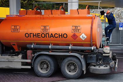 Правительство пообещало спасти Крым от дефицита бензина
