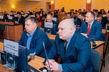 Предложившего отменить пенсии депутата исключили из «Единой России»