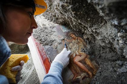 На руинах Помпеи нашли эротическую фреску