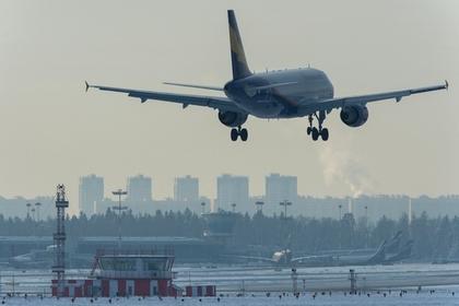 Мужчина попал под самолет в Шереметьево