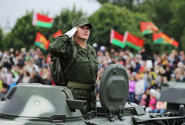 Парад в Минске по случаю Дня независимости Белоруссии