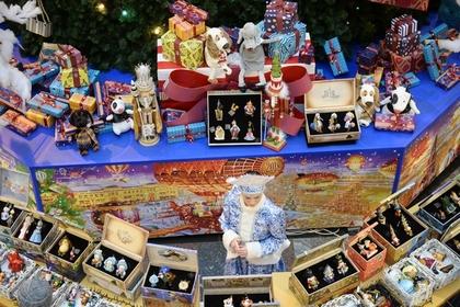 Депутатам раздадут методички по новогодним подаркам