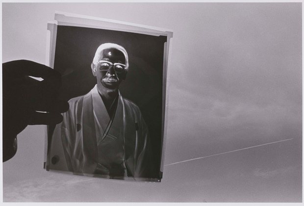 «Воспоминания об отце» следуют за жизнью Фукасэ-старшего, начиная с его детства и до старости. Завершается история снимками кремации и мемориала.