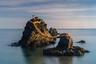 Австралийка Анастейша Вулмингтон сделала этот снимок во время путешествия по Японии. Мэото Ива, или Свадебные скалы, — пара священных скал неподалеку от Футами. Скалы соединены между собой веревкой симэнава и символизируют брак священных в синтоизме духов Идзанаги и Идзанами. Многие японские пары приезжают к скалам, чтобы просить у духов благословения своему браку.