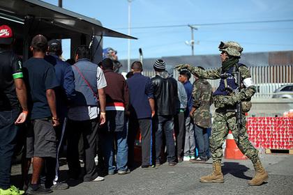 Трамп разрешил военным убивать мигрантов