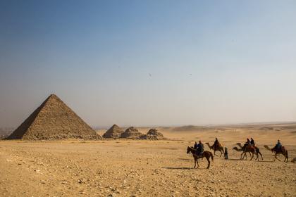 В Египте нашли гробницу с мумиями жреца и его жены