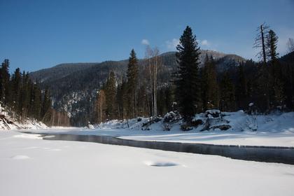 Четыре туриста на снегоходах пропали в горах Хакасии