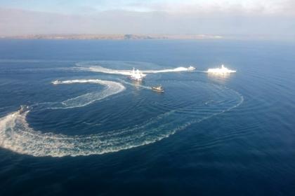 К украинским кораблям в Керченском проливе выдвинулось подкрепление