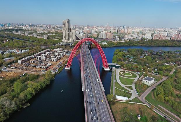 Вантовый Живописный мост через Москву-реку в Серебряном бору
