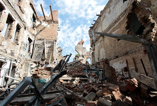 Дома в Семеновке, разрушенные в 2014 году