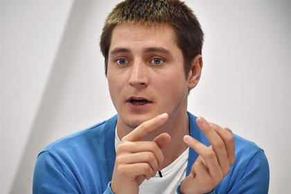 Рассказавший о пытках в Чечне гей покинул Россию из-за угроз