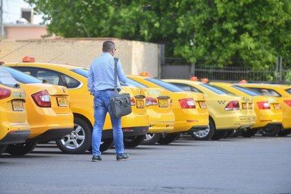 В государственной думе посоветовали обязать таксистов устанавливать подве камеры видеорегистраторов