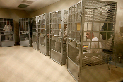 Американские заключенные потребовали вернуть порно