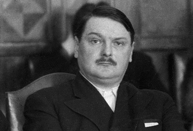 Помимо гражданских должностей Андрей Жданов в годы блокады входил в Военный совет Северо-Западного направления и Военный совет Ленинградского фронта.