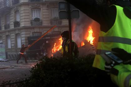 Репортер из России пострадала во время беспорядков в Париже