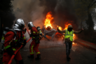 По информации французской полиции, несколько сотен ультраправых и ультралевых экстремистов вдохновили на дебош несколько тысяч «желтых жилетов». «Это настоящее восстание, мы раньше такого никогда не видели», — отметил глава 8-го округа Парижа Жанн д'Отсер.