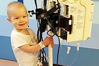 Милый снимок маленькой девочки показал ее смертельную болезнь