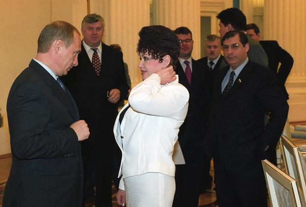 В Совете Федерации она представляла Хакасию.