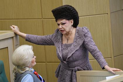 Легендарной прическе сенаторши Петренко устроили пышные проводы