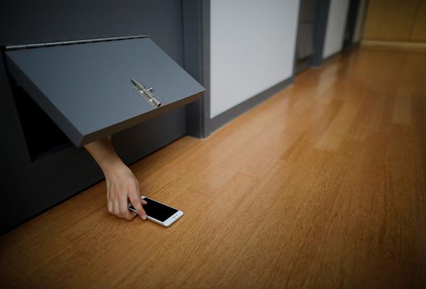 Мобильный телефон тоже останется за дверью. Никто не позвонит и не напомнит о делах.