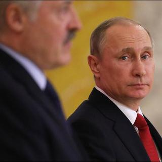Александр Лукашенко и Владимир Путин перед заседанием Высшего Евразийского экономического совета