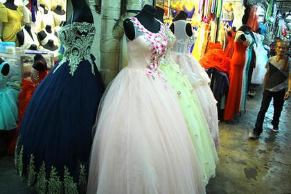 Невеста придумала наряды для худых и «толстых» гостей и опозорилась