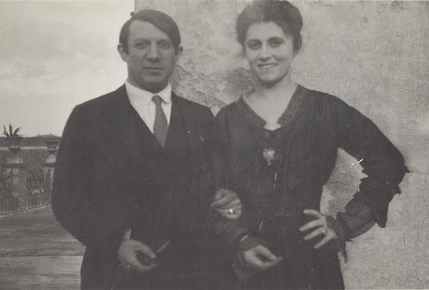 Пабло Пикассо и Ольга Хохлова на террасе отеля «Минерва». Рим, 1917