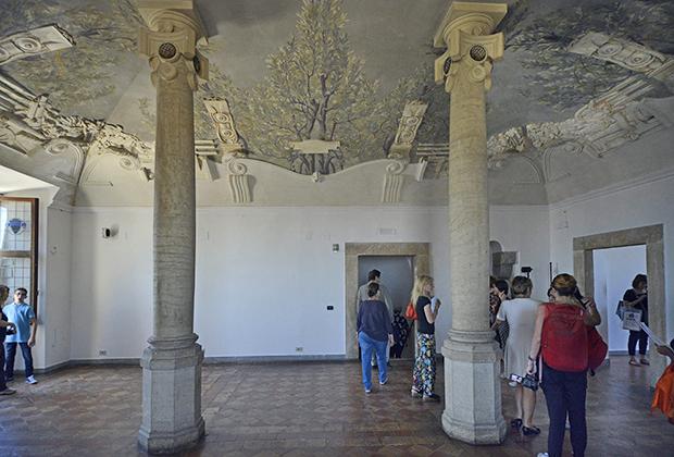 Одновременно замок исполнял и роль папской тюрьмы, в которой томились враги семьи Борджиа.