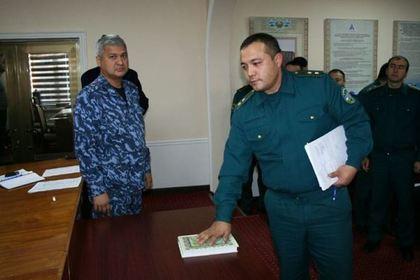 Сотрудники милиции Узбекистана клянутся на Коране не брать взятки