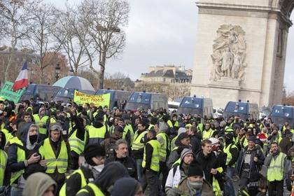 В ходе протестов во Франции арестованы более 1200 человек