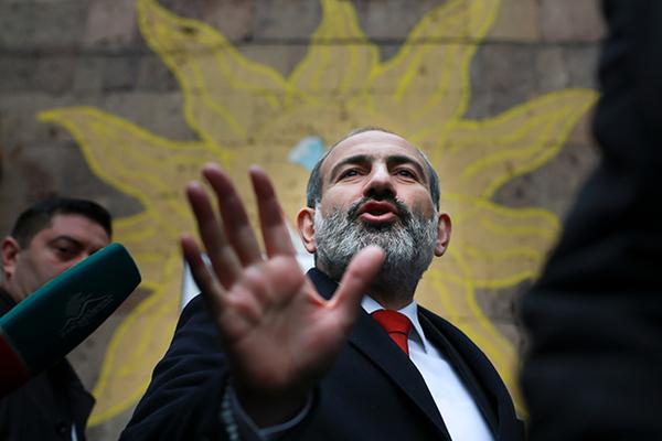 В Армении прошли выборы. Сторонники Пашиняна победили с разгромным счетом