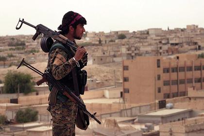 В Сирии обнаружили массовые захоронения с сотнями жертв ИГ