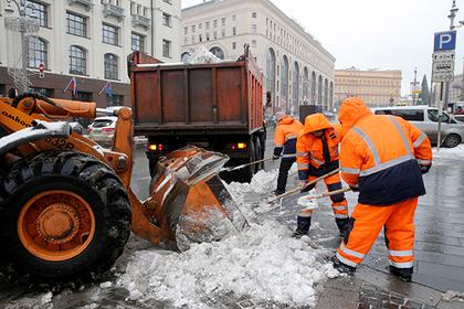 300 площадок для вывоза снега задействовали в Подмосковье