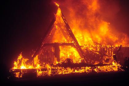 В Башкирии трое детей остались дома одни и сгорели