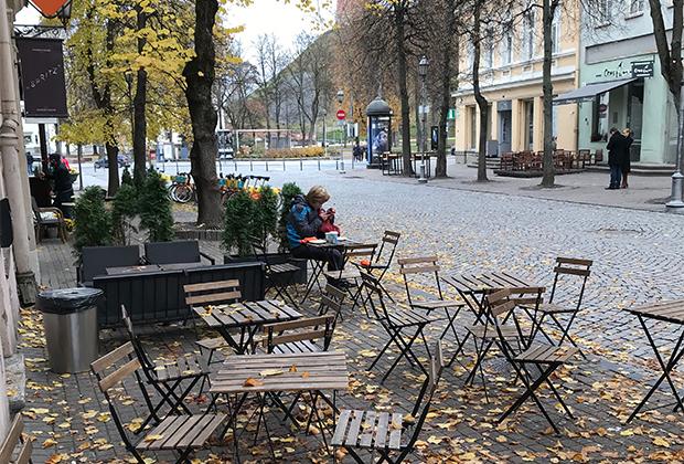 Местные поговаривали, что Литва славится вкусным, свежеиспеченным хлебом. Круассаны по вкусу оказались на 70 процентов из маргарина