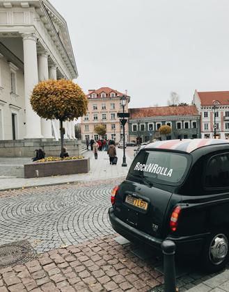 Литовцы трепетно относятся к деталям. Во время прогулки по улицам Старого города замедляем шаг, чтобы разглядеть каждый угол