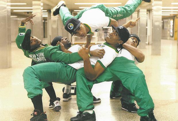 Одна из фотографий Шабазза легла в основу обложки альбома Undun американской хип-хоп-группы The Roots.