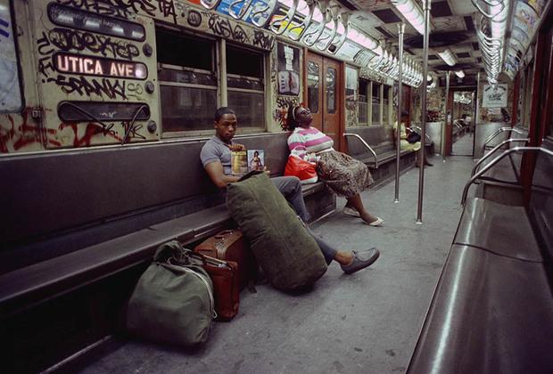 В 1980-х Шабаззу удалось ухватить витавшую в городе атмосферу кризиса, вызванную распространением крэка и ростом наркопреступности.