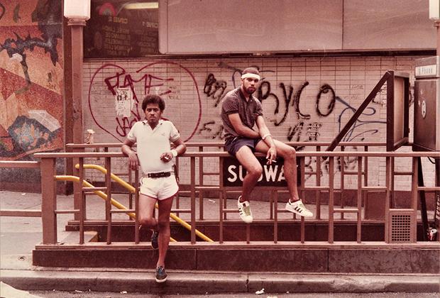 В 2016-м году Жамель Шабазз снялся в камео в телесериале «Люк Кейдж»: фотограф появился в одной из сцен-флешбэков и встретился с уличным бандитом по имени Поп. Шабазз попросил его попозировать для фотографии — и, по сюжету, Поп сохранил этот снимок и носил его с собой.