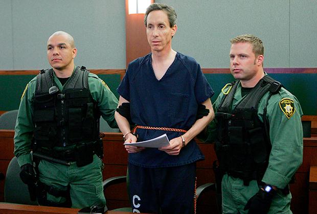 Уоррен Джеффс в суде после ареста в 2006 году. Ему предъявили обвинения в трех штатах: Юта, Аризона и Техас