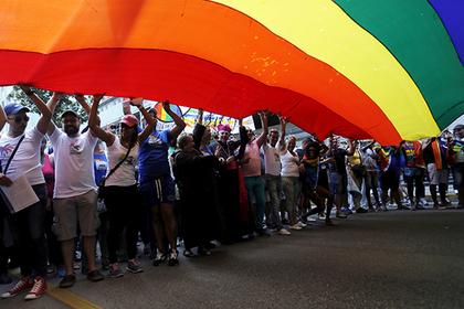 Куба передумала менять конституцию в поддержку гей-браков