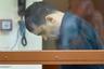 """Сергей Фролов по кличке Болтон скрывался от правосудия 17 лет — его поймали в 2015 году. По данным правоохранительных органов, Фролов был киллером ореховской ОПГ и <a href=""""https://lenta.ru/news/2017/12/12/sosnovskiy/"""" target=""""_blank"""">совершил</a> 16 убийств. Самое громкое из них — <a href=""""https://lenta.ru/news/2016/04/06/orekhovsky/"""" target=""""_blank"""">расстрел</a> известного московского адвоката Татьяны Акимцевой и ее водителя.   <br> <br> Как считает следствие, 12 сентября 2014 года Фролов подкараулил своих жертв на улице возле дома юриста. Акимцева представляла в суде интересы совладельца рынка «Одинцовское подворье» Сергея Журбы, который, находясь под госохраной, давал показания о деятельности лидеров ореховской ОПГ в 90-е годы.  <br> <br> Сообщник Фролова в этом убийстве, Игорь Сосновский по кличке Чипит, в декабре 2017 года был приговорен к 18 годам и восьми месяцам заключения. Фролов от дачи показаний отказался и вины своей не признал. В настоящий момент расследование его преступлений продолжается."""