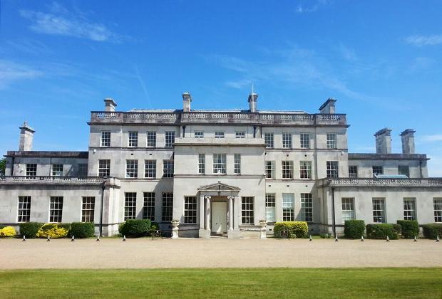 Дворец Эддингтон — второй в списке самых роскошных дворцов в истории кафедры архиепископов Кентерберийских. Глава церкви Англии жил в нем в XIX веке.